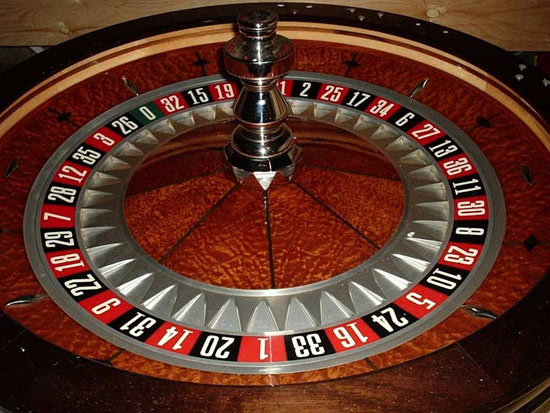 <empty>roulette wheel and table rental